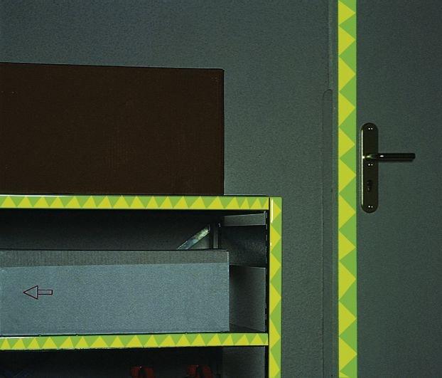 Marquage photoluminescent de portes et de couloirs en bandes PVC - Seton