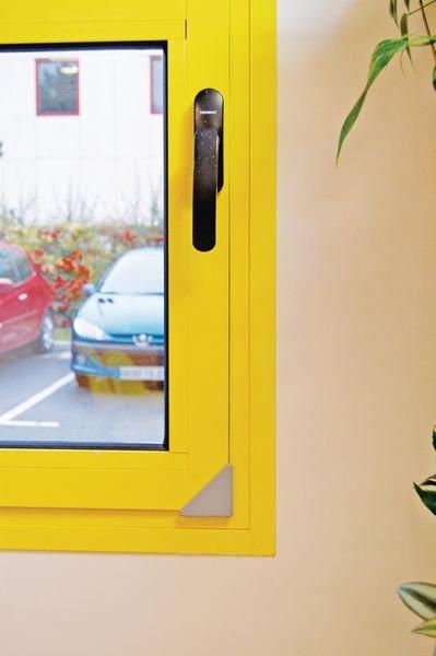 Coin de protection pour fenêtre