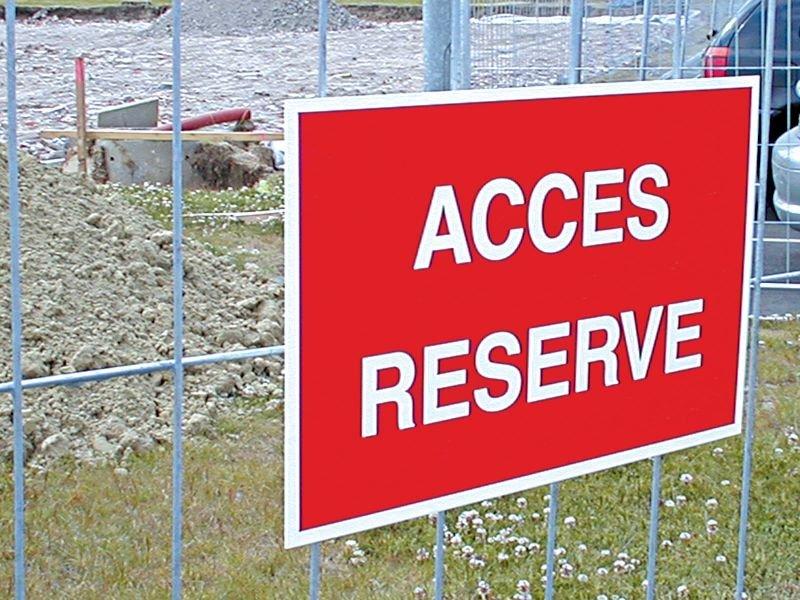 Accessoires de fixation pour panneaux - Fixations pour panneaux de signalisation