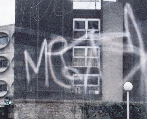 Film anti-graffitis adhésif pour vitres - Films de protection pour vitres