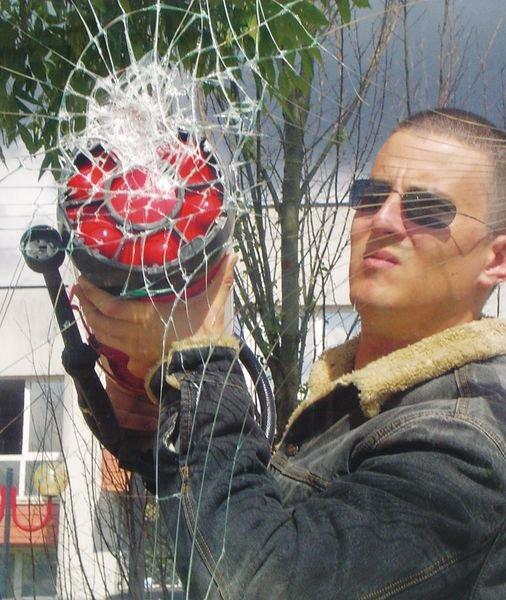Film anti-vandalisme adhésif pour vitres - Seton