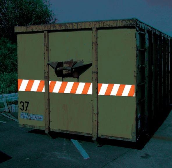 Bandes de sécurité pour véhicules rétroréfléchissantes et symétriques - Signalisation et équipement pour véhicules de chantier