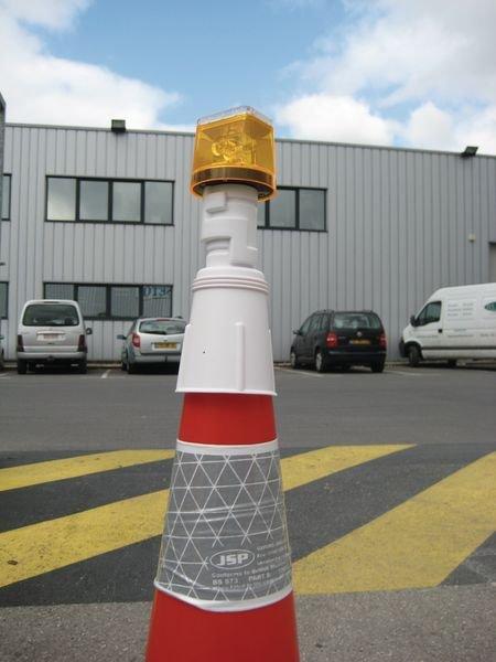 Lampe de chantier à énergie solaire