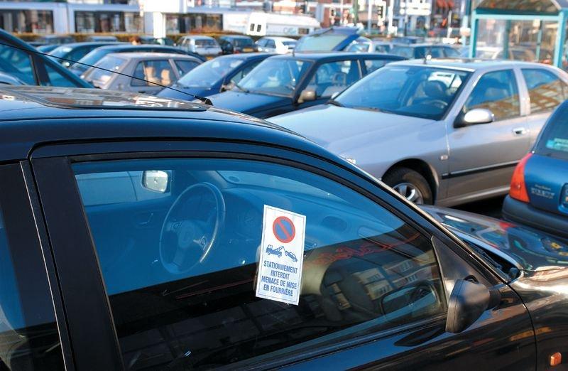 Autocollants dissuasifs Stationnement interdit - Mise en fourrière - Seton
