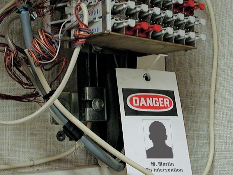 Plaquettes d'inspection cartonnées auto-laminantes avec pictogramme Danger - Seton