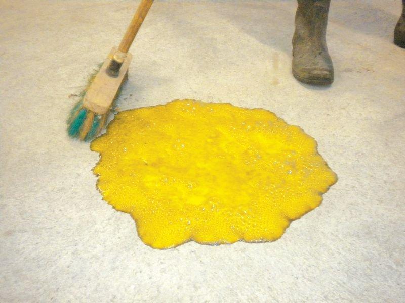 Nettoyant pour sol à base d'acide pour préparation des peintures - Marquage au sol : peinture, pochoirs, clous