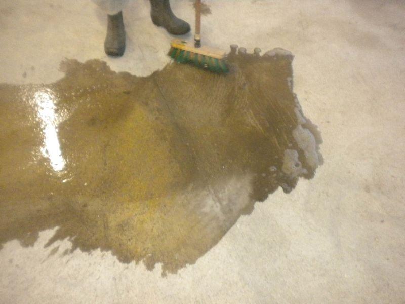 Nettoyant pour sol à base d'acide pour préparation des peintures - Equipement extérieur et aménagement de parking