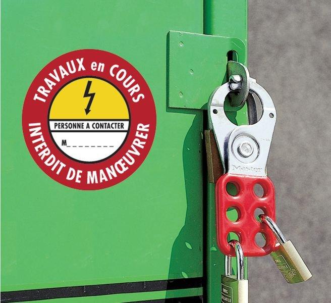 Etiquettes de condamnation adhésives Fix-Max™ Danger électricité - Travaux en cours interdit de manœuvrer - Panneaux et pictogrammes de Danger électrique