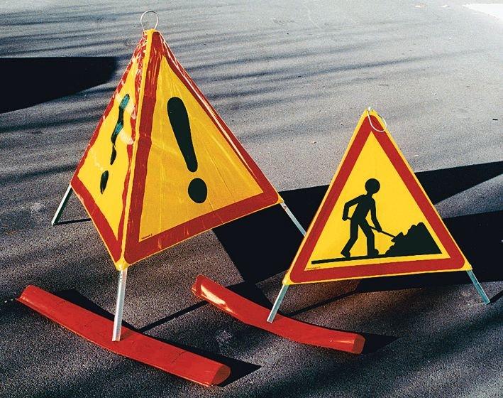 Tripode de chantier pliable pour signalisation temporaire de travaux - Seton