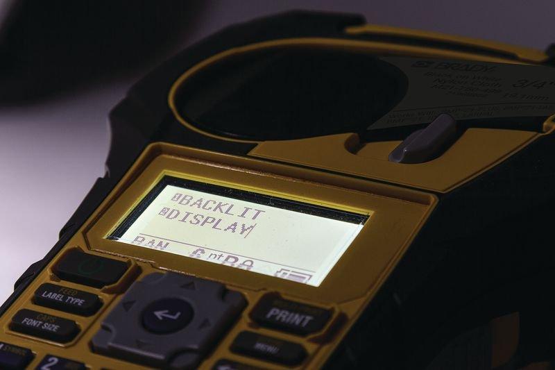 Etiqueteuse portable Brady BMP21-PLUS - Etiqueteuses et consommables