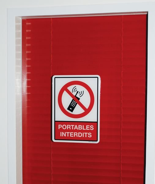 Plaque en plexiglas d'interdiction pictogramme et texte portables interdits - Seton