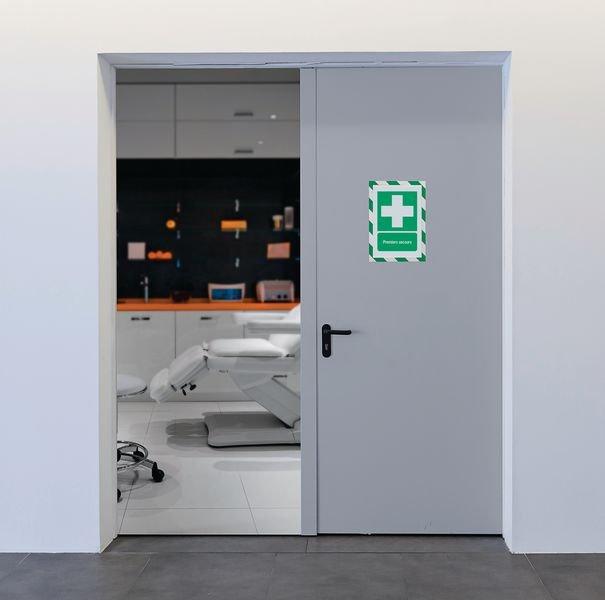 Porte-documents adhésifs à fermeture magnétique Premiers secours - Panneaux et pictogrammes Premiers secours