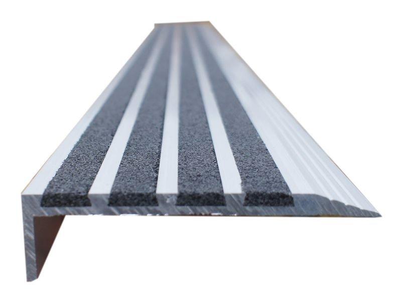 Nez de marche antidérapant en aluminium et quartz - Puissance 2