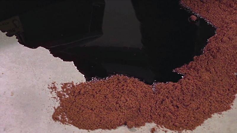 Granulés absorbants pour liquides en fibre de coco