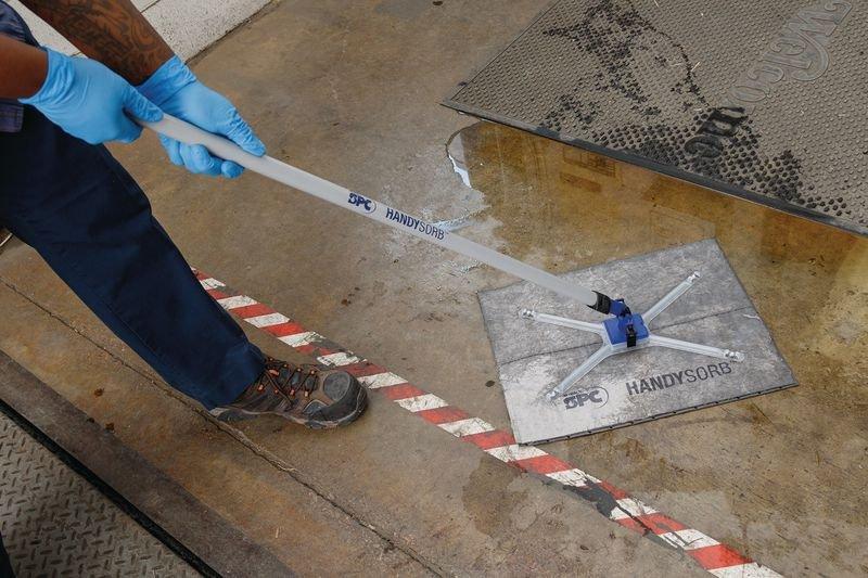 Kit de démarrage absorbant pour déversements chimiques