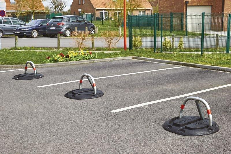 Barrière de parking sur socle en caoutchouc - Accès au parking