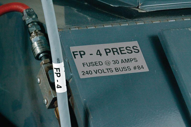 Etiquettes d'identification type plaque de signalétique métallisée pour imprimante BMP71