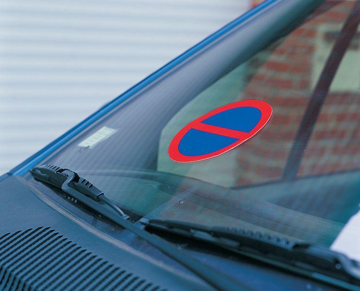 autocollants dissuasifs symbole stationnement interdit seton fr. Black Bedroom Furniture Sets. Home Design Ideas