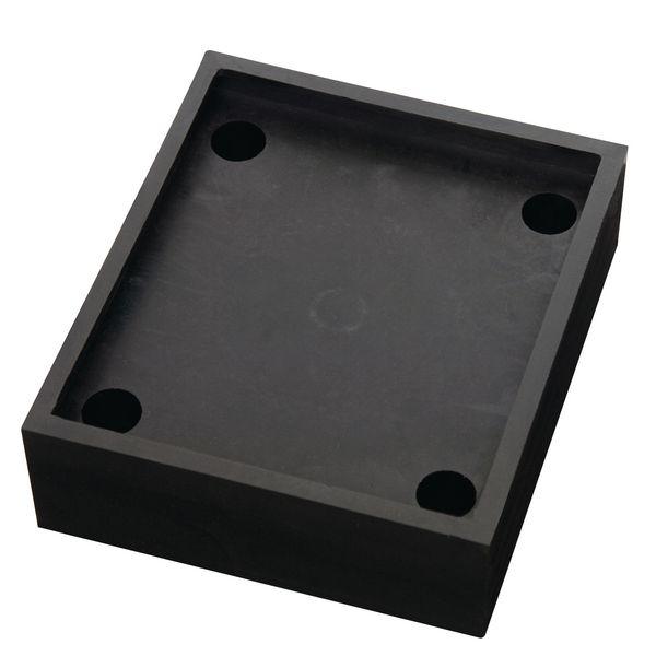 Base flexible pour barrières modulables