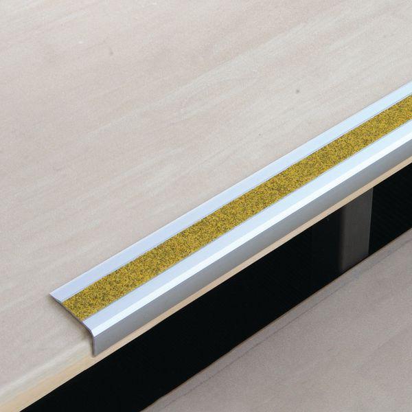 Nez de marche antidérapants en aluminium jaune public