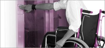 Faciliter l'accès aux portes et sas aux personnes handicapées