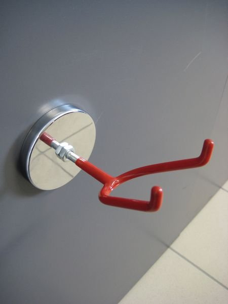 Gancio magnetico per scarpe o casco di sicurezza - Appendiabiti per officine e aziende