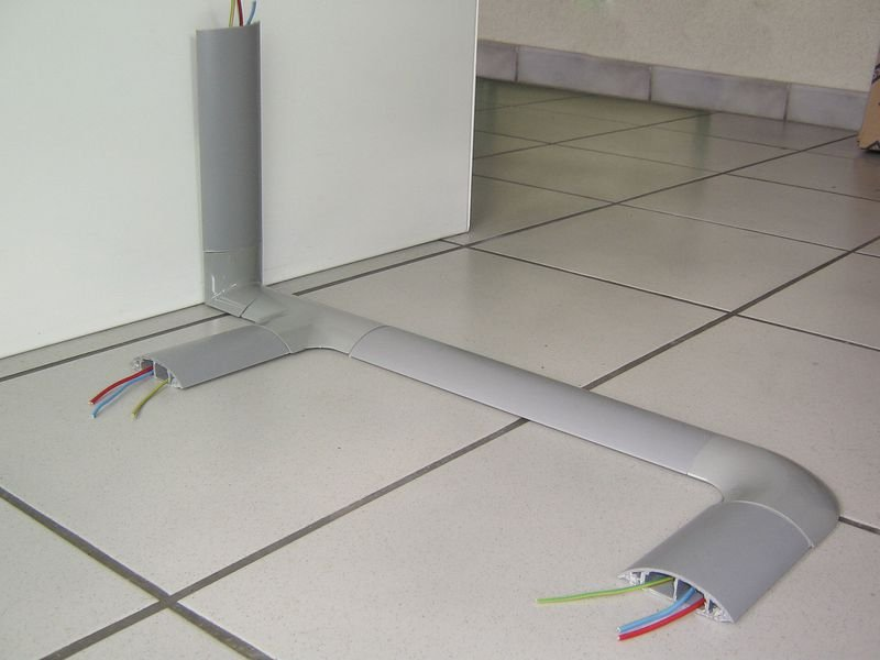 Elementi di raccordo per canalina passacavi in PVC rigido