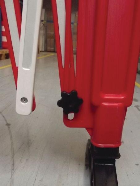 Barriera estensibile rossa e bianca - Materiale e segnaletica da cantiere