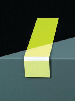 Segnaletica orizzontale fotoluminescente in strisce ad angolo retto per gradini