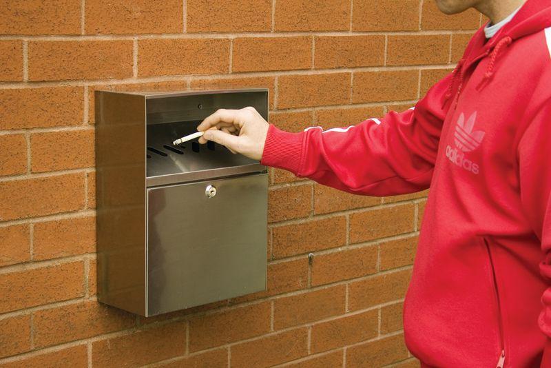 Posacenere a parete per esterni resistente alle intemperie