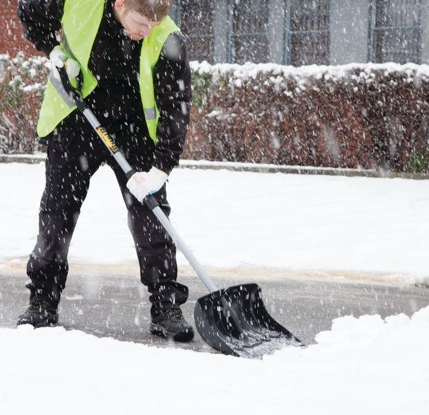 Verstevigde sneeuwschuiver met steel en blad - Winterproducten