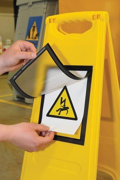 Tweezijdig, opvouwbaar A-bord met magnetische affichehouder