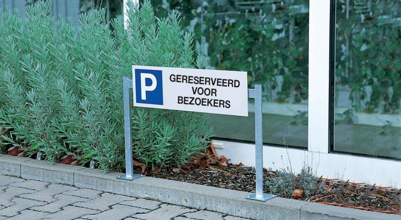 Aluminium parkeerborden op dubbele houder - Gereserveerd voor bezoekers - Seton