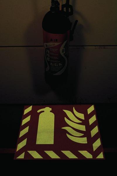 Kit met sjabloon en fotoluminescente markeringsverf - Diagionale pijl - Signalering van nooduitgangen
