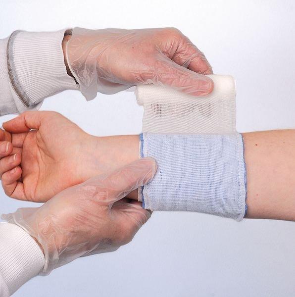 Steriele drukverbanden met wegwerphandschoenen - Pleisters en verbanden