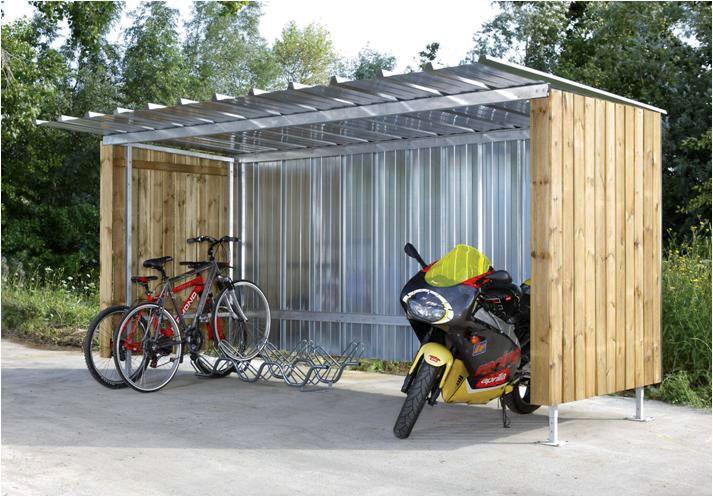 Modulaire fietsen -en motorstalling met houten zijwanden