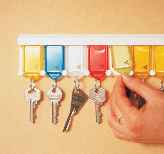 Plastic sleutelrek voor muurbevestiging