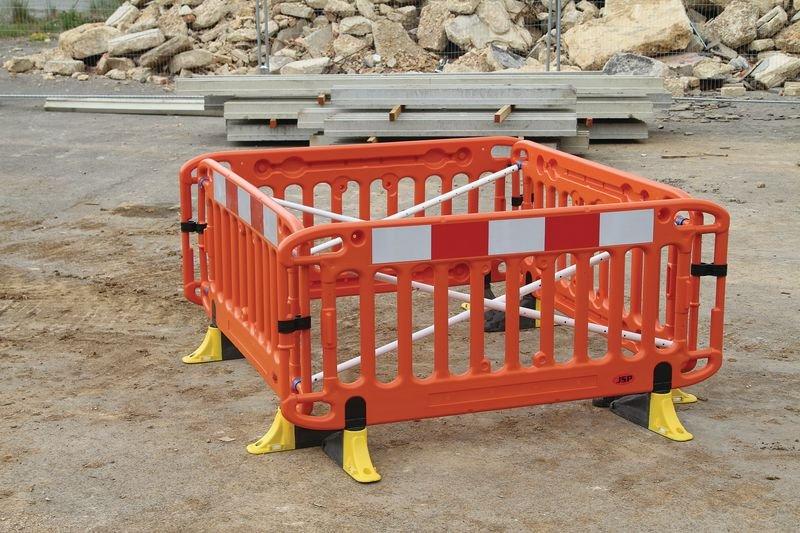 JSP® Titan Safety Barrier with Anti-Trip Feet