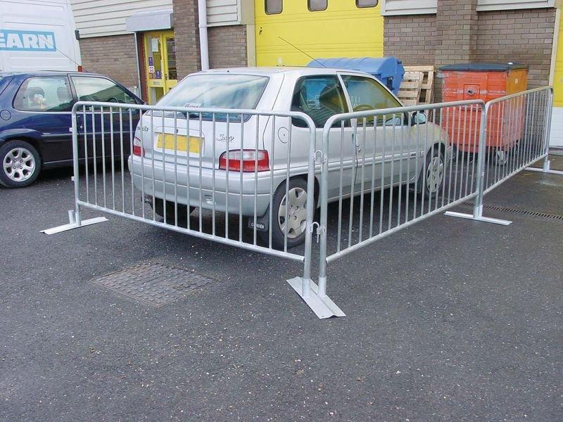Anti-Trip Crowd Control Barrier