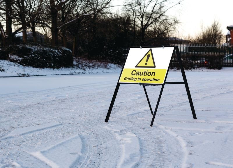 Caution Gritting In Operation - Stanchion Winter Car Park Sign