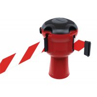 Skipper™ Retractable Barrier System