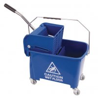Wheeled Bucket with Wringer