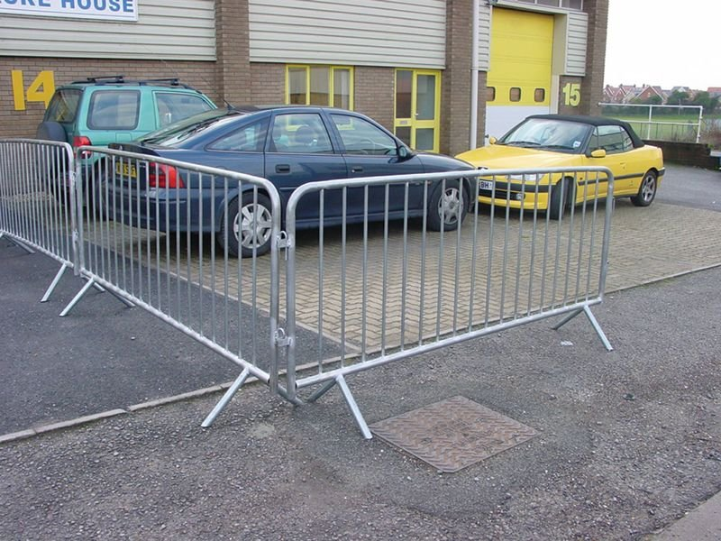 Heavy-Duty Crowd Control Barrier