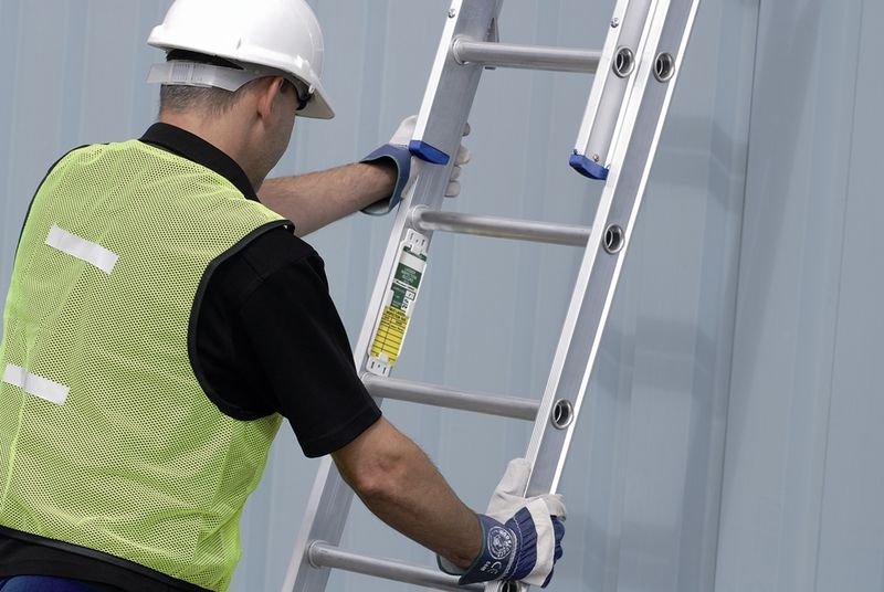 Laddertag® Kit with Ladder Inspection Guide Poster