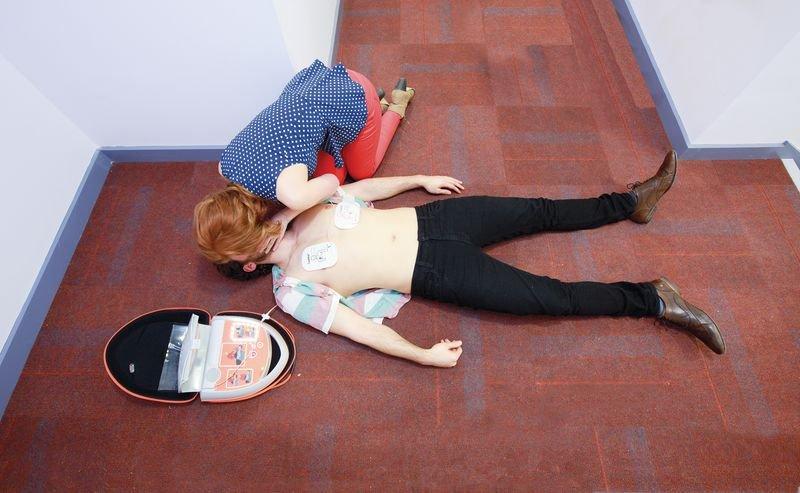 CardiAid Semi-Automatic Defibrillator With Servicare - Defibrillators