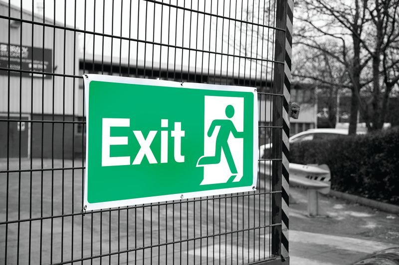 Banner Signs - Exit Running Man Right - Fire Exit Right Signs