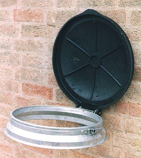 Wall-Mounted Circular Sackholders
