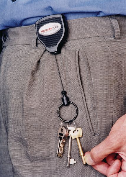 Heavy-Duty Self-Retracting Key/Badge Reel