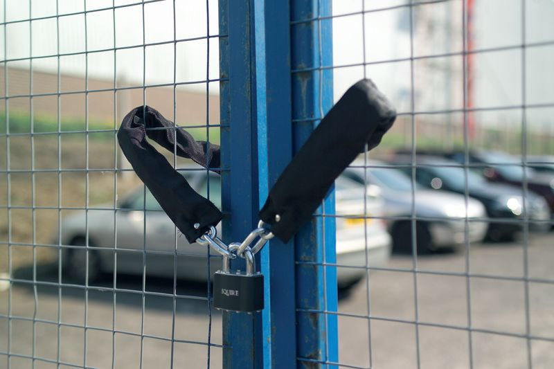 Lock & Chain Sets