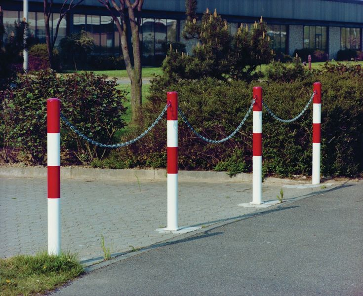 Minder Removable Barrier Posts